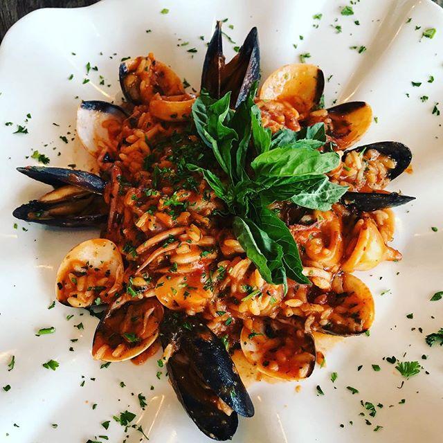 CHEF SPECIAL TONIGHT👨🏼🍳: Risotto Di Mare - arborio rice, mussels, clams, shrimp, and calamari 🤤 #verandinarestaurant #chefspecial #fridaynightdinner #imperialbeach #sandiegorestaurants #italiansandiego