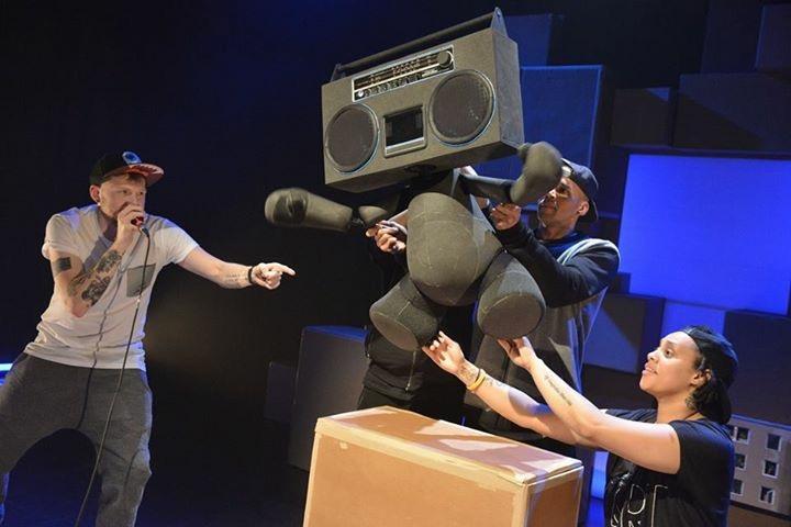 Boom box theatre puppet