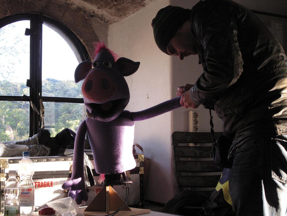 Puppet wrangler