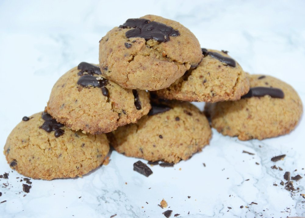 Peanut Butter Chocolate Chunk Chickpea Cookies