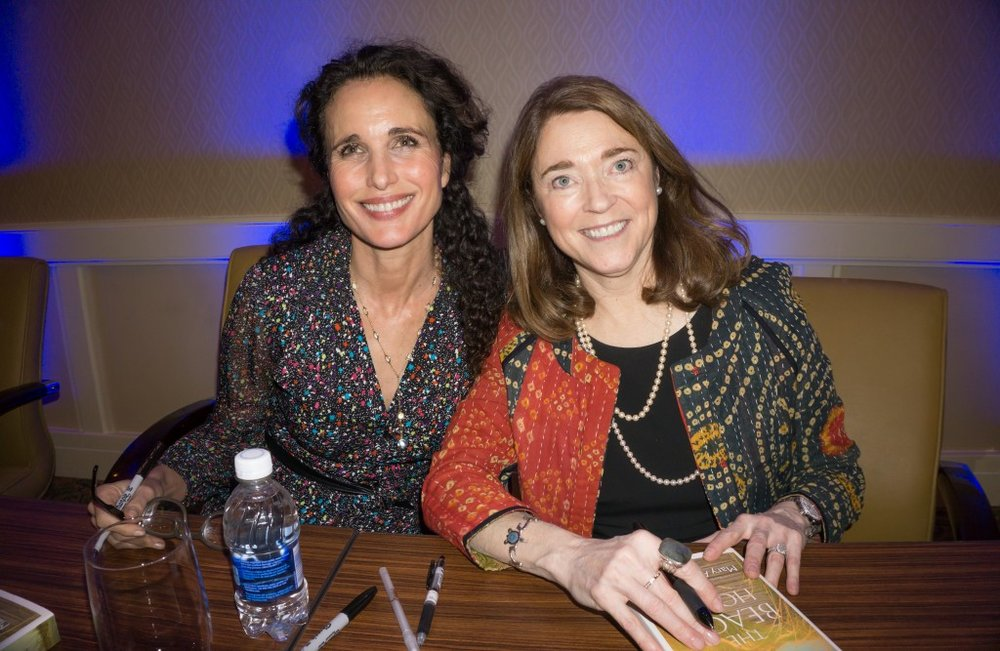 Andie-MacDowell-and-Mary-Alice-Monroe-sign-copies-of-The-Beach-House--1024x667.jpg