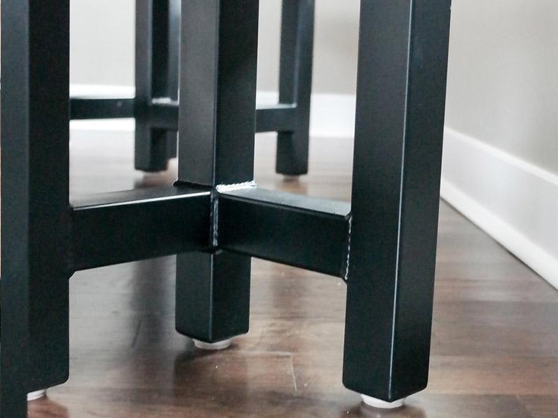 800x600-custom-table-6.jpg