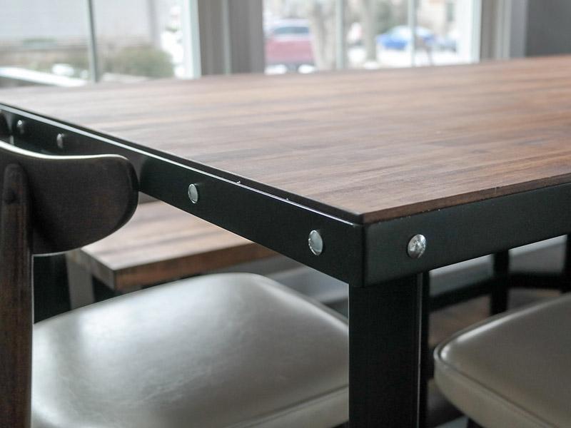 800x600-custom-table-9.jpg