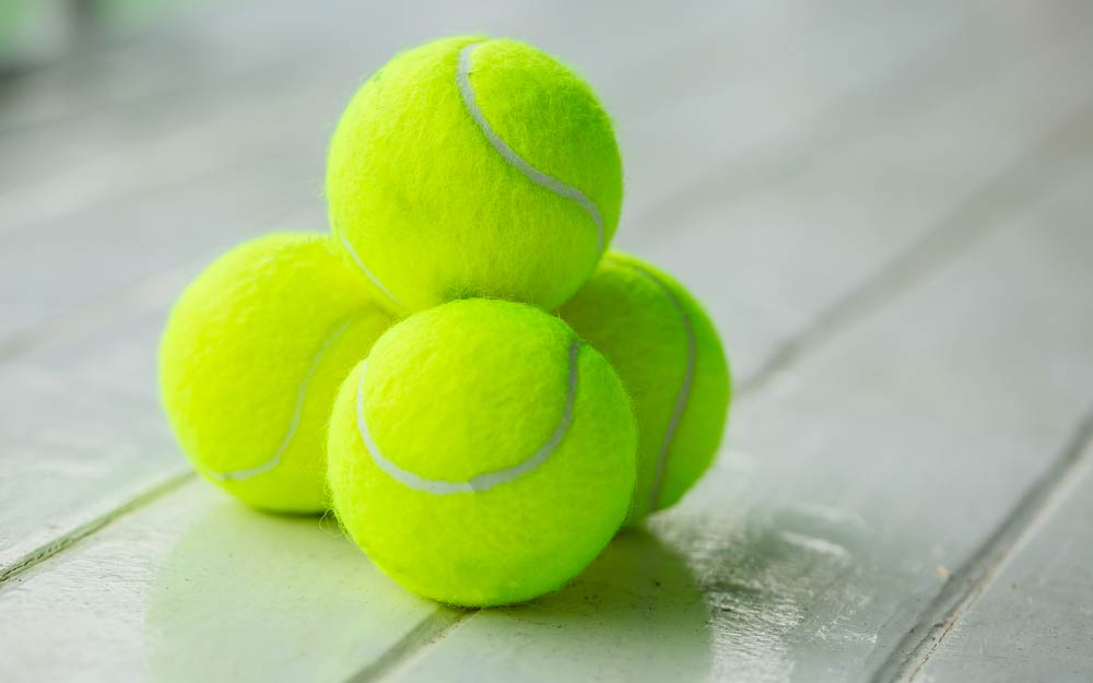 Why-You-Should-Always-Fly-with-a-Tennis-Ball-in-Your-Carry-On_523522210_Nuk2013-ft.jpg