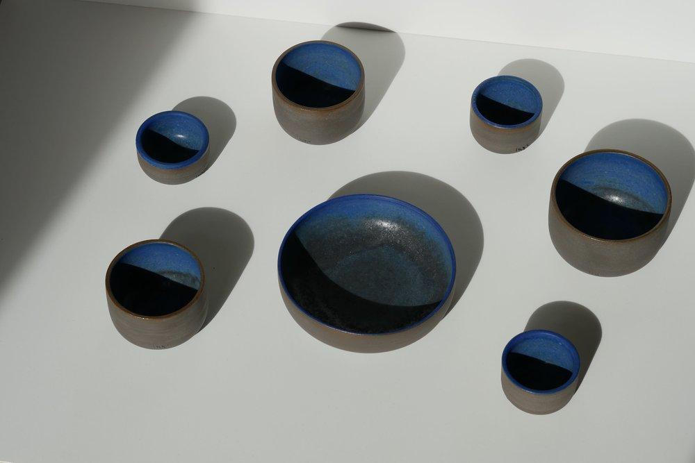 hap_Ceramics_Keramik_Duesseldorf_Maxi Hoffmann_Becher_Schalen_Cups_Bowls_Blue_Blau_Töpferware_Stoneware.jpg