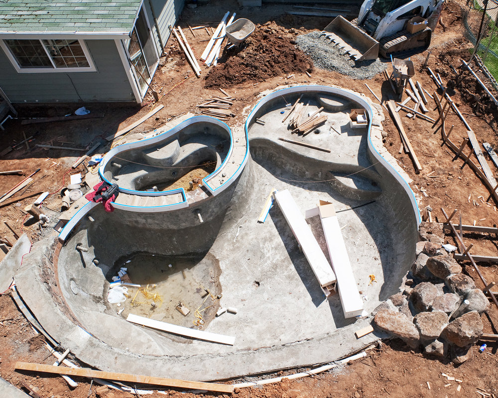 LakePointePools-Cleaning-Custom-new-pool-construction-gunite.jpg