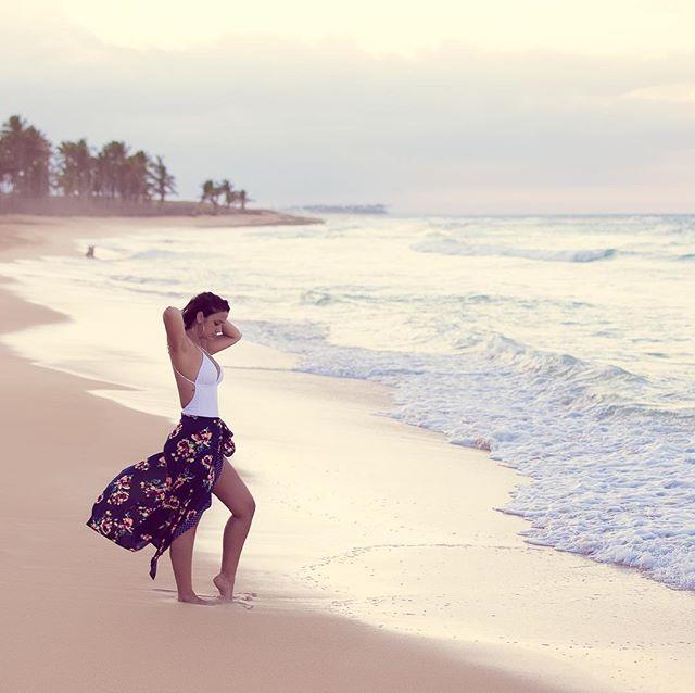 Lari - Mar ::::: #gisellefiallophotography #beachlife #caribbeanlife #beachphoto #puntacana #bavaroland #isleña @larimarfiallo