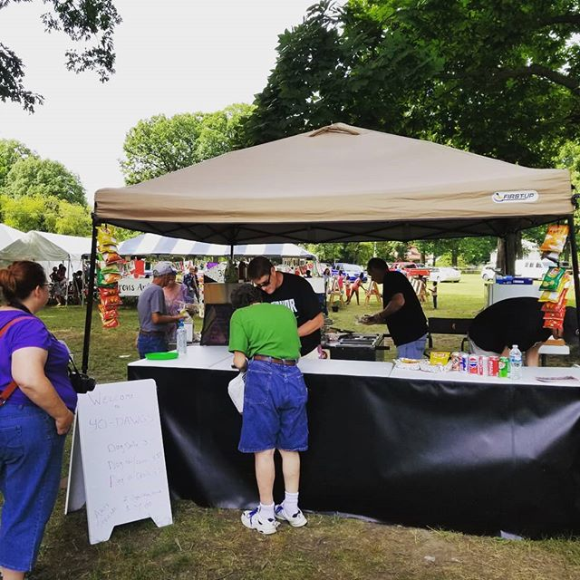 As we head into the late afternoon, why not consider #YoDawgs for your evening meal? They are offering an #ArtsInThePark special! Just look for the big hotdog banner near the #MainStage! #AITP30 #AITPDanville #Danville #Illinois #VermilionCounty #art #festival