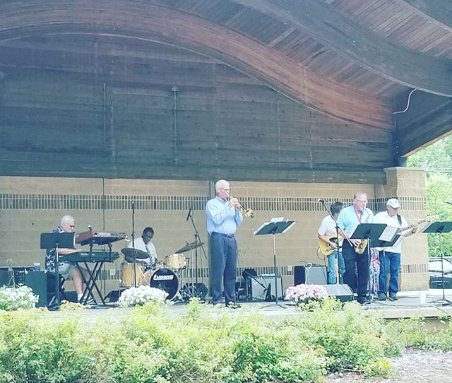 "Follow your ears to the source of Glenn Miller's ""In The Mood"", the #ArtsInThePark Main Stage! #DocAshtonAndTheRootCanals are really wailing on this old jazz standard! #AITP30 #AITPDanville #Danville #Illinois #VermilionCounty #art #festival"