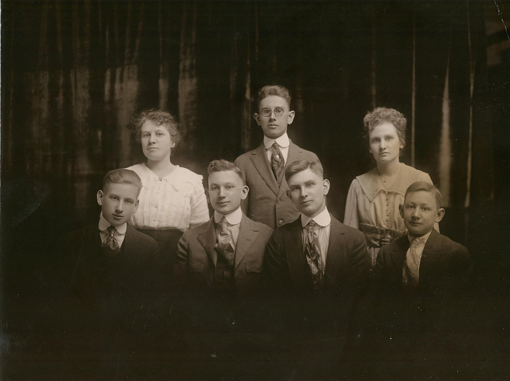 Ethel (Olive) Oliver, (back left) and Mary (Olive) Hudson, (back right), and siblings, circa 1933