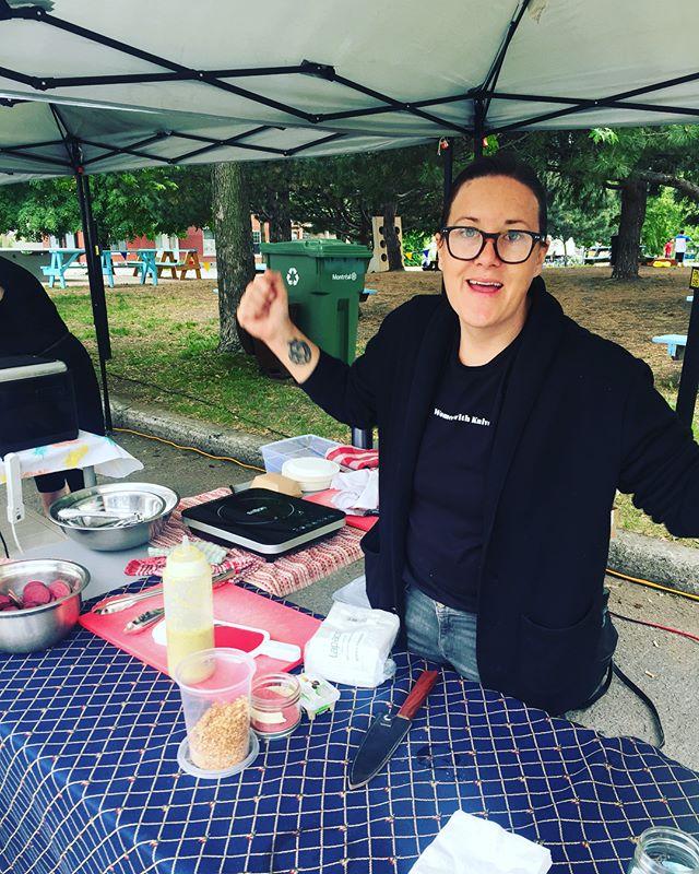 @maurin_chef et ces hot-dogs au produits du Québec @marchedp #mtl #mtlfoodie #chefslife #stjeanbaptiste #eatmontreal #mileendmtl