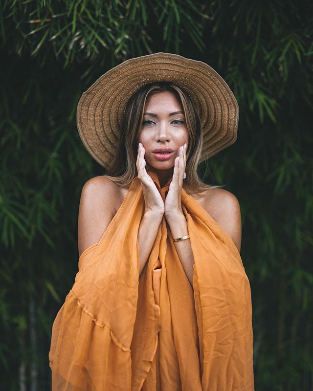 The perfect preset for those green colors🍃Edited with the Bali Preset From the Travel Preset Pack✈️Available both for Lightroom mobile + desktop! Link to shop in bio🛍👆#ollivvespresets