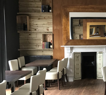 Mont Bar & Grill 1.jpg