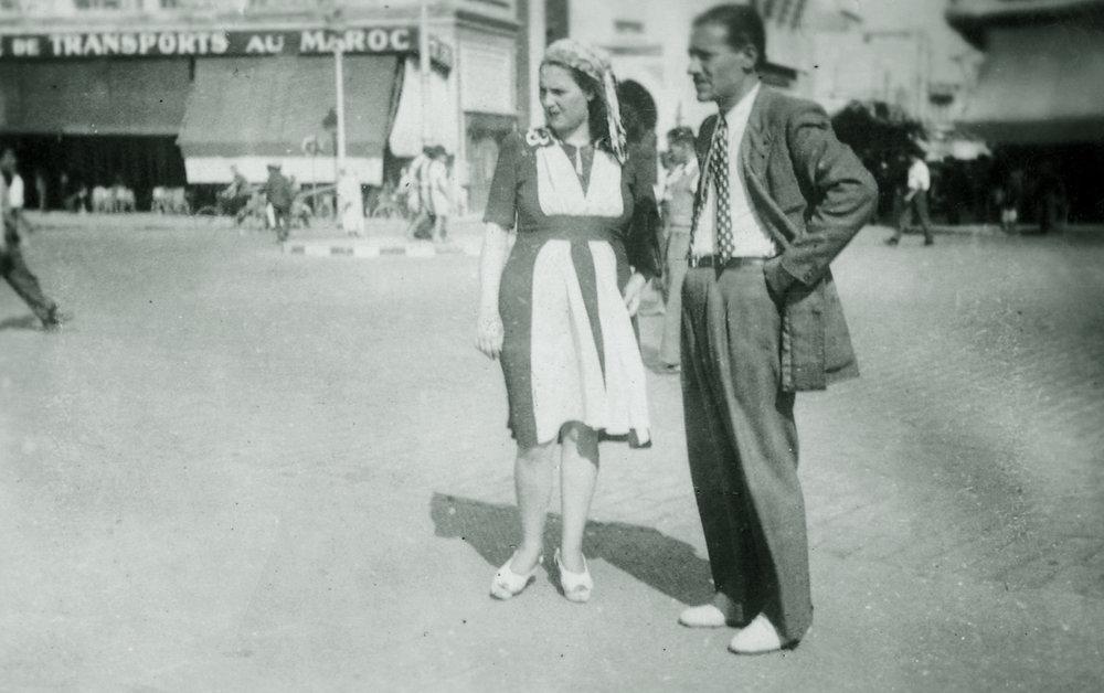 Hédi Jouini + Ninette 1946 à casa. film La 7e Porte.jpg