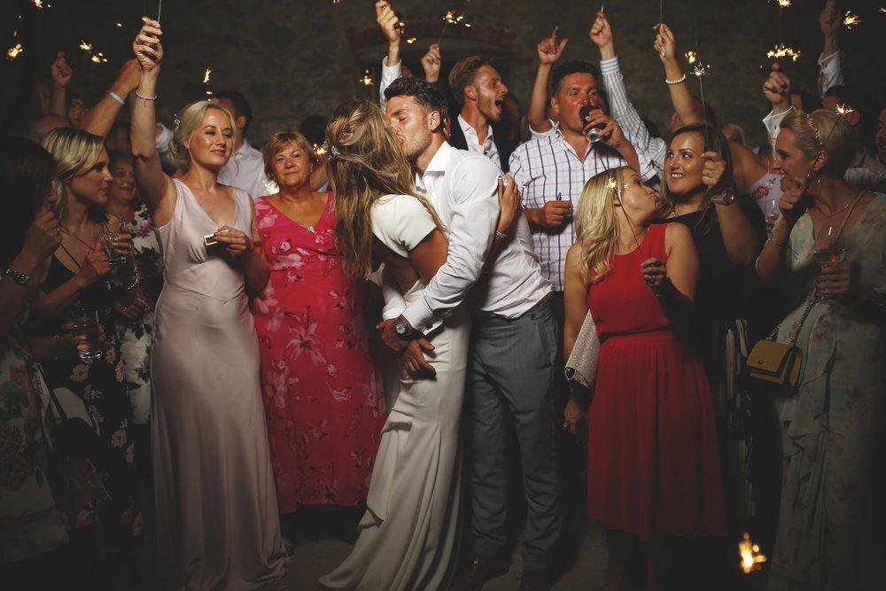 brettharkness-wedding-photography-middleton-lodge_0041.jpg