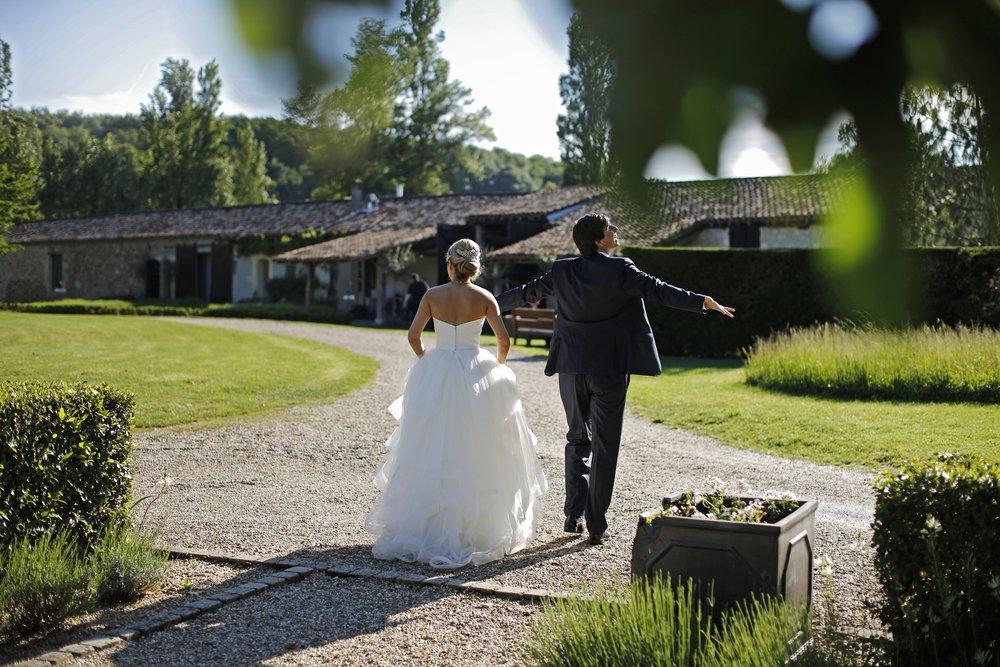 brett-harkness-chateau-rigaud-wedding-france-wedding-photographer_0010.jpg
