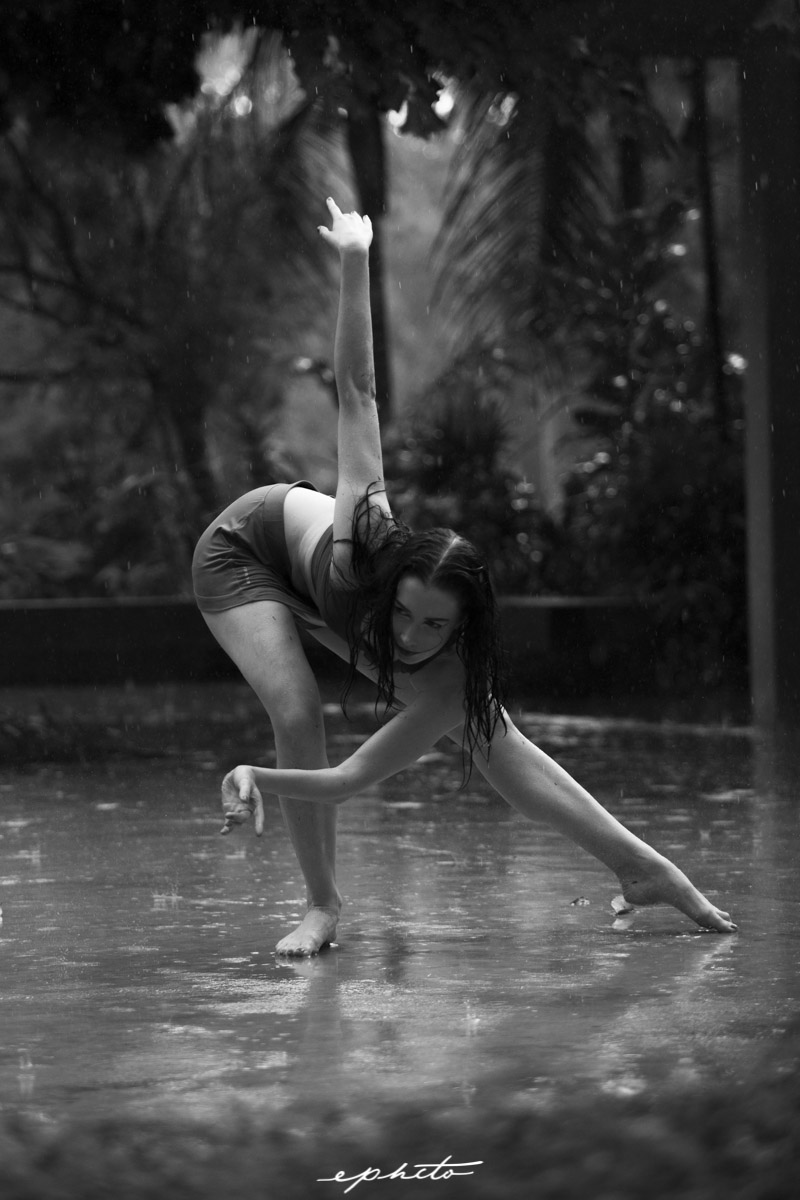 ephcto_dancing_in_the_rain_kitty_singapore-5.jpg