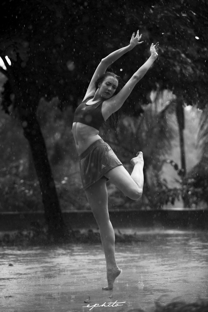 ephcto_dancing_in_the_rain_kitty_singapore-6.jpg