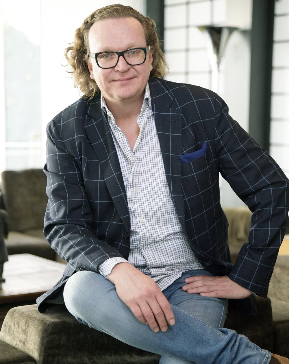 Mathias Schröder - Art-Director und Grafik-Designer, zu Gast in Episode 4