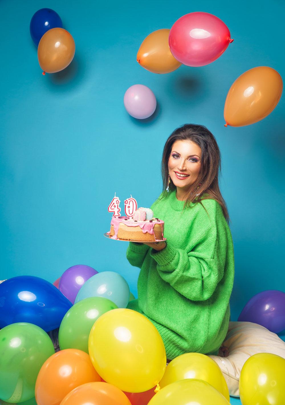 Ioana Ginghina studio sedinta foto clar visator crina popescu creativ aniversar colorat baloane.jpg