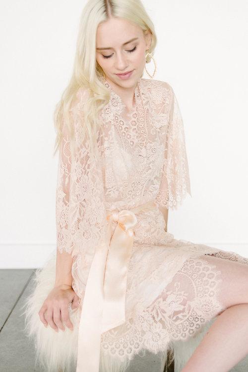 Girl   a Serious Dream Swan Queen Lace Kimono Robe in Blush ... 4306e9426