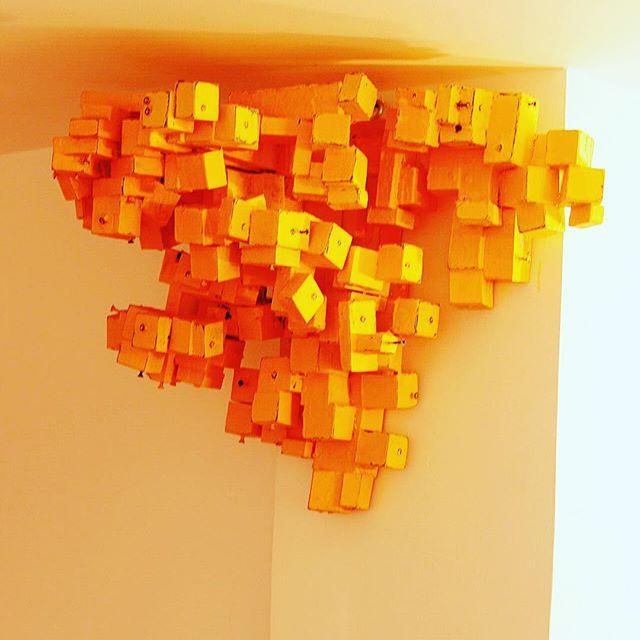 Escultura de esquina.....