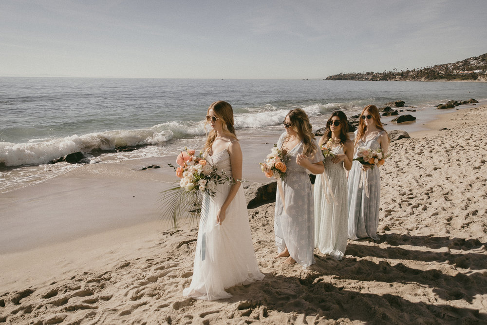 Beach Bridals with that Tropical Feeling -