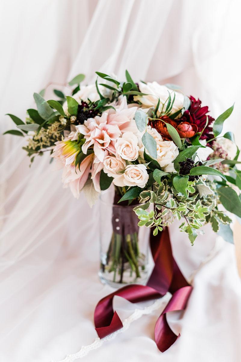 modern_floral_design_wedding_Clean.jpg
