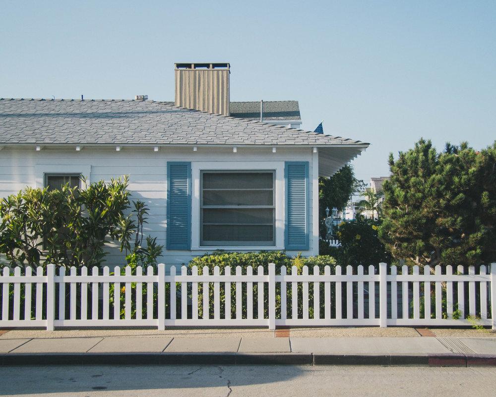 Newport Beach gustavo-zambelli-446813-unsplash.jpg