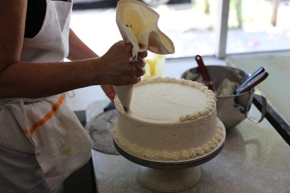 cake piping.JPG