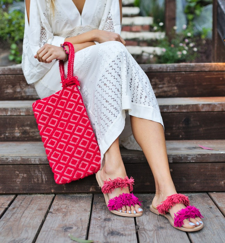 Jyo Shankar  (formerly @cuppajyo) / 2017   WEEKEND GETAWAY TO MENDOCINO  with our GIO W clutch in ROSSO (red)