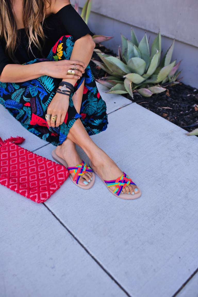 Jyo Shankar  (formerly @cuppajyo) / 2017   SUMMER PANTS UNDER $100   with our GIO W clutch in ROSSO (red)