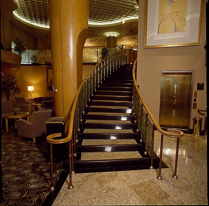 Windsor HIgh Rollers Staircase a.jpg