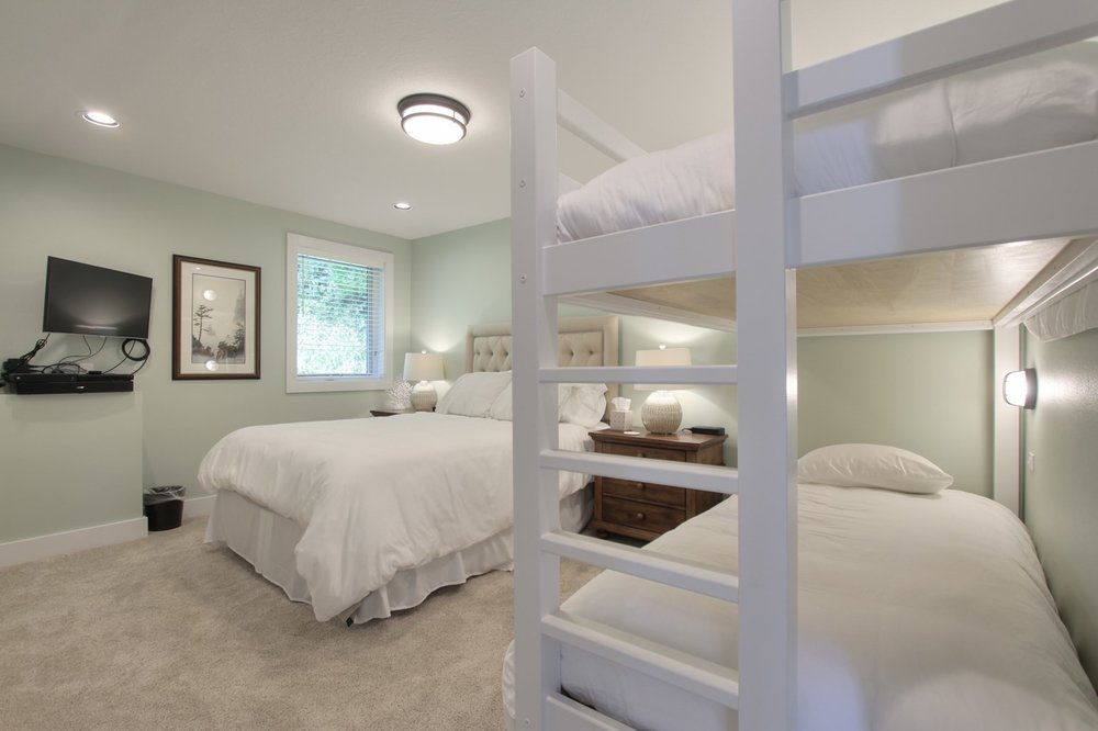 PACKAGE 3 - Queen size w/ Shared bath  Features: Shared or private queen, two extra long twin bunch beds, shared bath