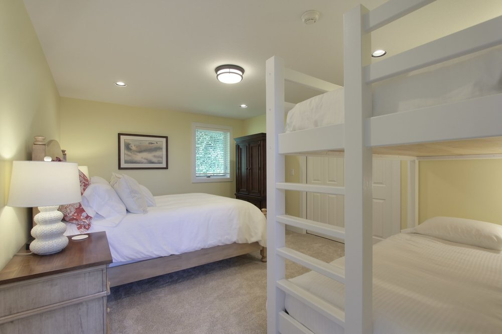 PACKAGE 4- Queen size w/ shared bath   Features: Shared or private queen, two extra long twin bunk bed, shared bath