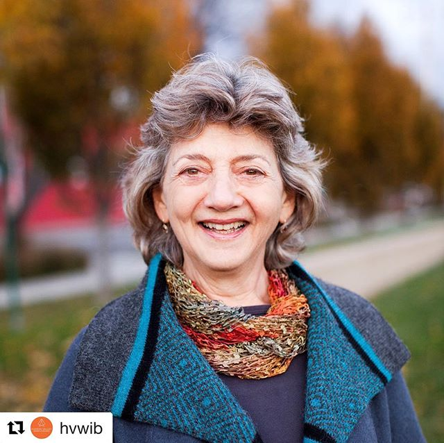 Photo courtesy of @marysgonecrackers Repost @hvwib with @get_repost ・・・ Join us on Monday at @upspace_studio in Kingston for our February meeting with business legend, Mary Waldner, the founder of @marysgonecrackers! . . Mary will share the story of how she built this business from a recipe in her kitchen to store shelves nationwide, and the challenging lessons learned along the way. You won't want to miss this. . And!!! Our February meeting is sponsored by @themomuniversity . . Mom University is an exclusive and engaging all-day event designed to motivate moms to master motherhood! Specially designed for Moms by Moms, this one-of-a-kind event will be packed with inspiring speakers, spa services, a Mom Marketplace, and more! . . See you on Monday at 6pm! RSVP at the #linkinbio . . . . . . #hvwib #womendobusinessdifferently #powerhousewomen #marysgonecrackers #kingstonny #hudsonvalley #womeninbusiness