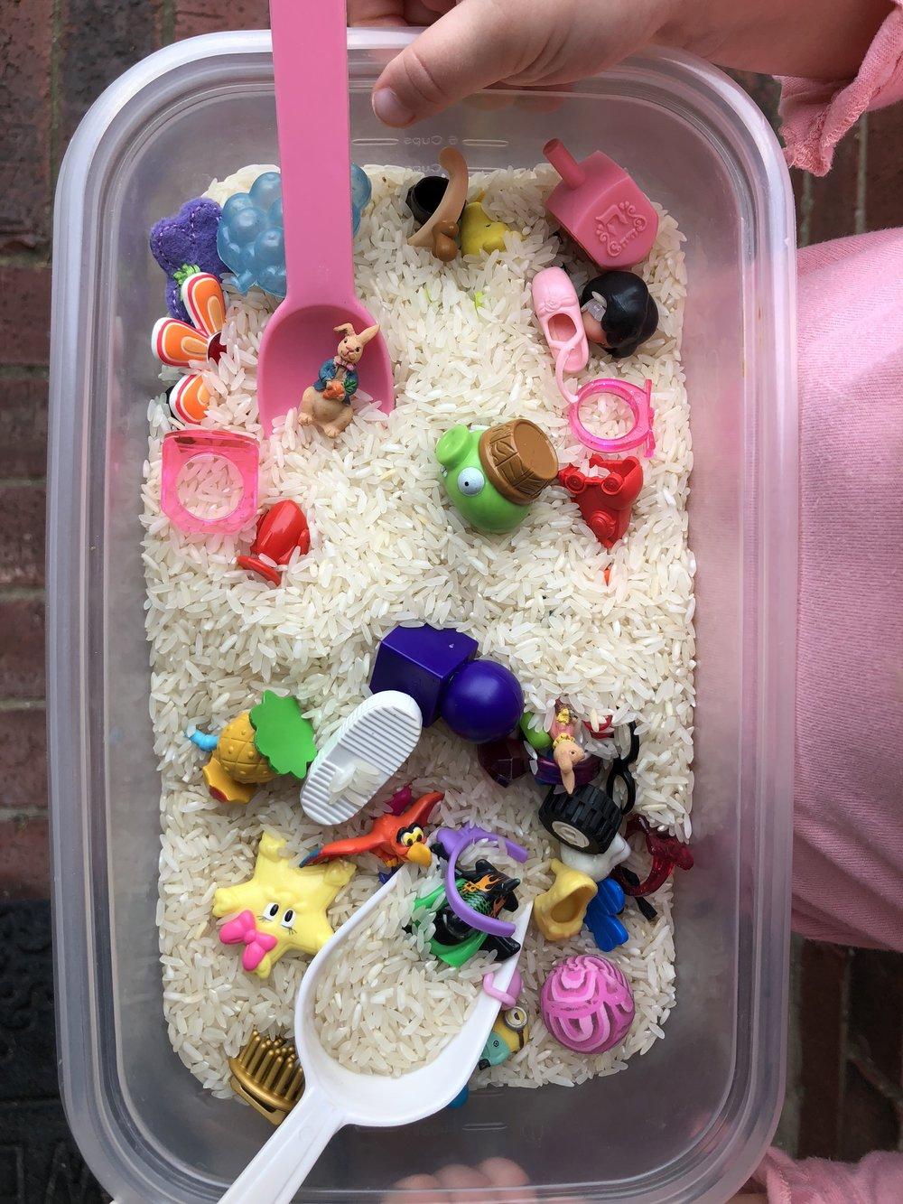 rice bucket `.jpg
