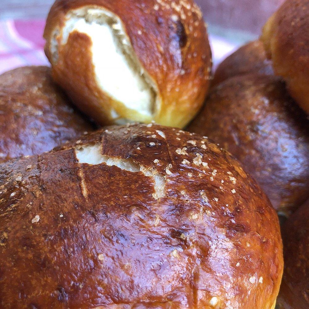 pretzel rolls 2.JPG
