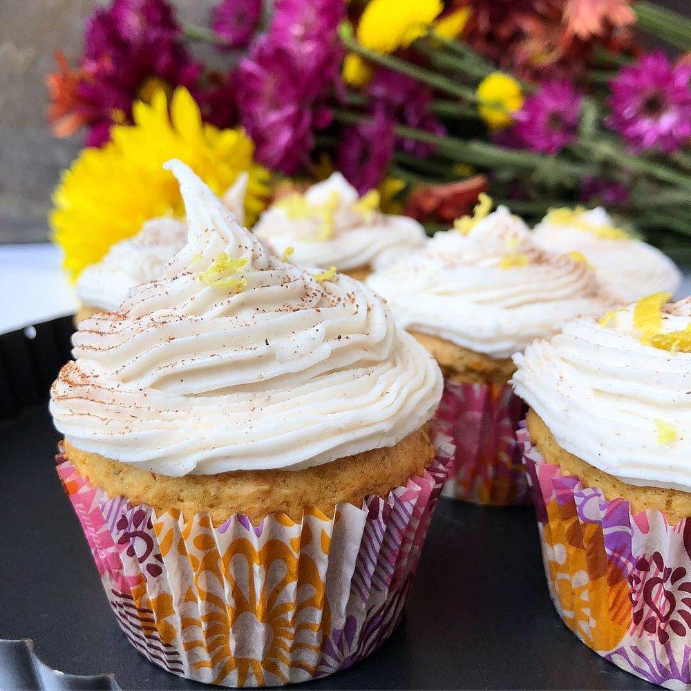 pumpkin cupcake 1.JPG