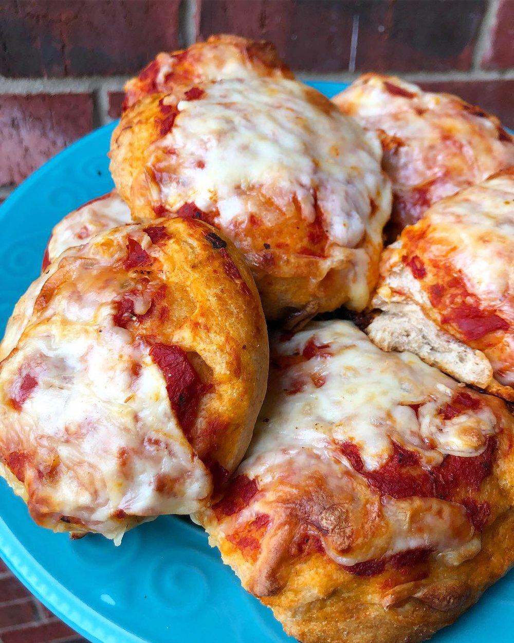 mini cheese pizzas 2.JPG