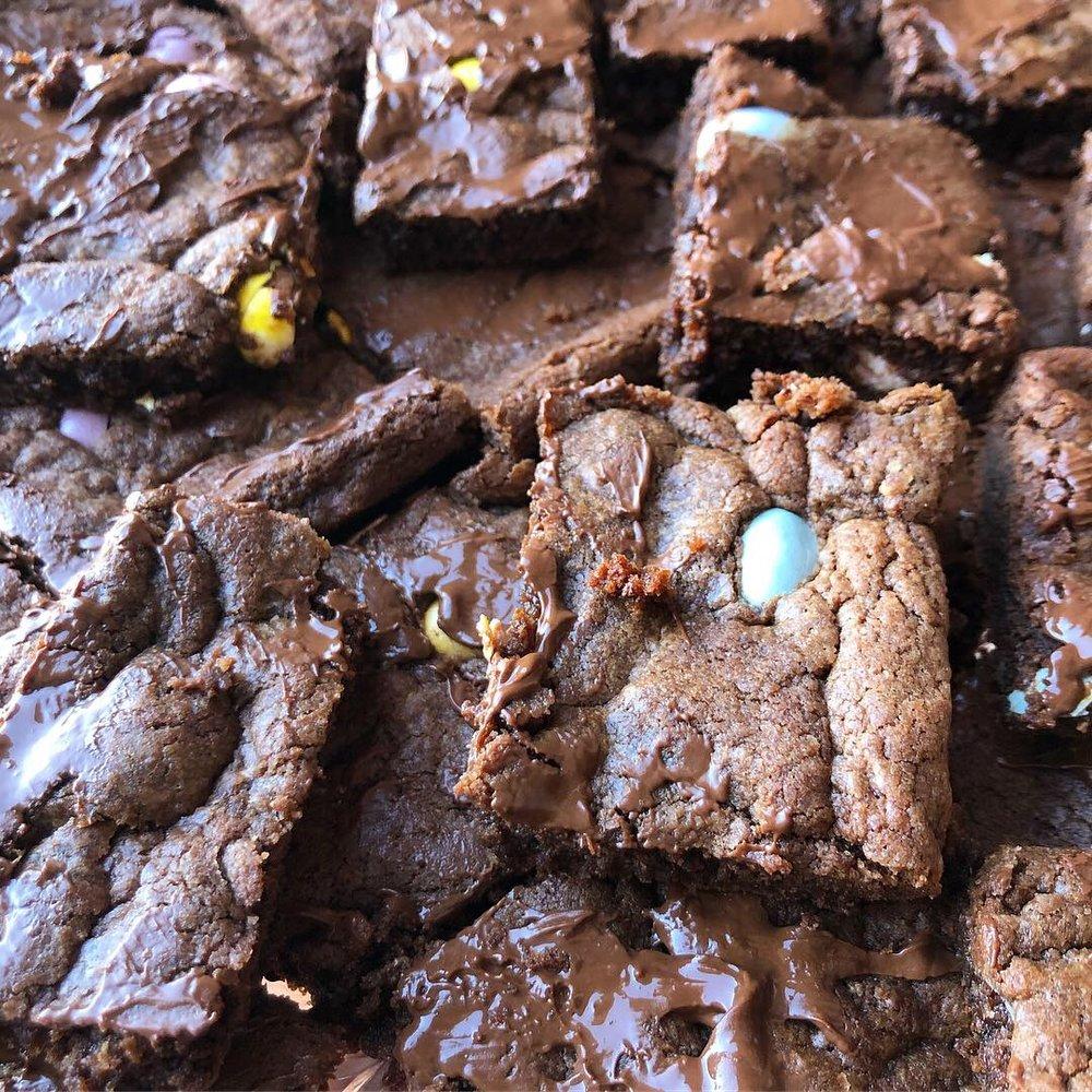 cadbury mini eggs cookie bars 1.JPG