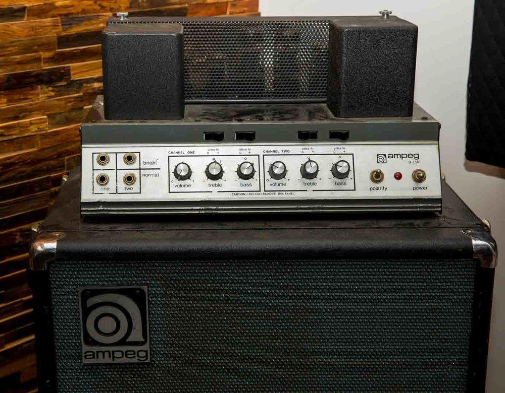 1973 Ampeg B-15
