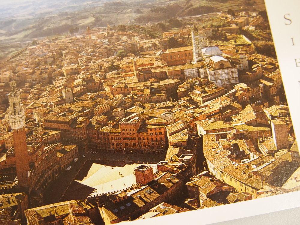 siena-in-representation-piazza-del-campo_8181318590_o.jpg