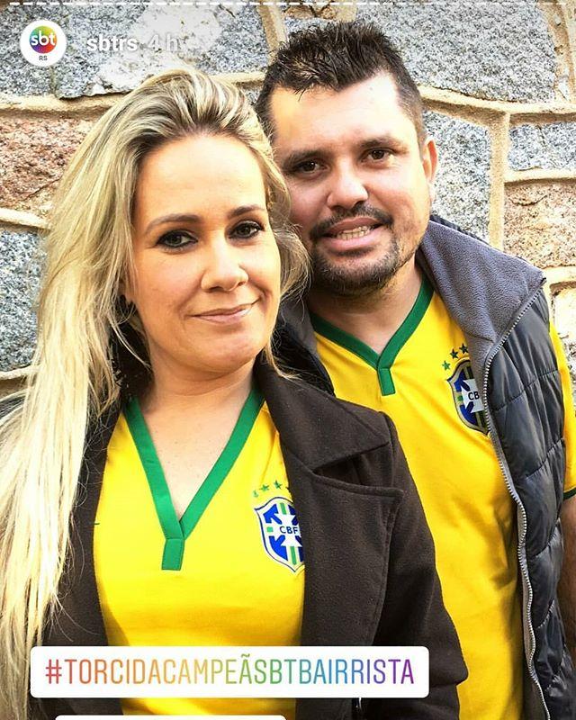 Nosso casal 20 esteve presente na #torcidacampeãsbtbairrista e acompanhou a grande vitória do Brasil. Evento realizado na embaixada @o_bairrista e @sbtrs. Para nós é um grande orgulho estar nessa parceria com vocês!  Acústica, o som e a luz que fazem a diferença!  #obairrista #rumoaohexa #copadomundo #sbtrs #eventospoa