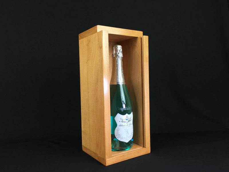 blue-champagne-in-small-box.jpg