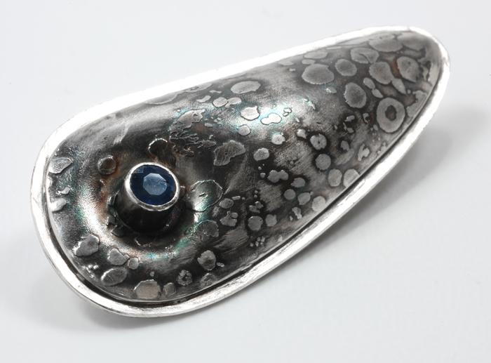 "Pillow  pendant, sterling silver, Thai sapphire, ¾"" x 1¾"", 2010"