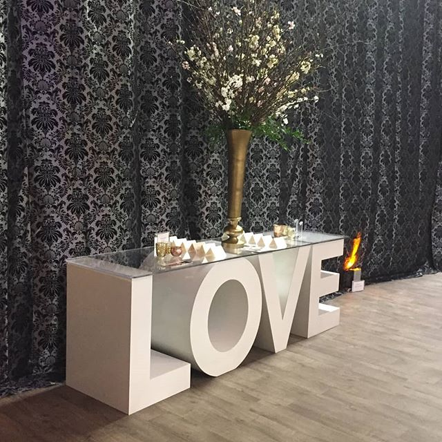 We had so much fun at the @unveiledevent today in Minneapolis! 💘👰💍💒🔔 For those of you who stopped by to see our custom lettering and tables, it was a pleasure meeting you! Hope to see you again soon :) @theweddingguys @twincitieslive  #yourtype #yourtypeletters #unveiled #unveiledevent #minneapolismn #love #loveletters #weddingreception #weddingcake #weddings #eventplanner #events #twincitieslive