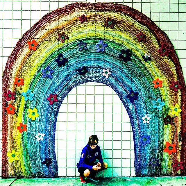 Somewhere under the 🌈 . . . . #streetartla #rainbowart #melroseavenue #lalife #winterinla #pilotseason #actorswanted #madeinla #2019goals #sebastienskubala #streetartdaily