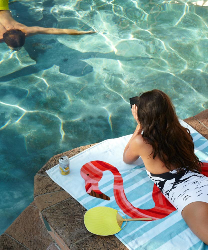 TIDE-and-POOL-Slim-flamingo-beach-towel4