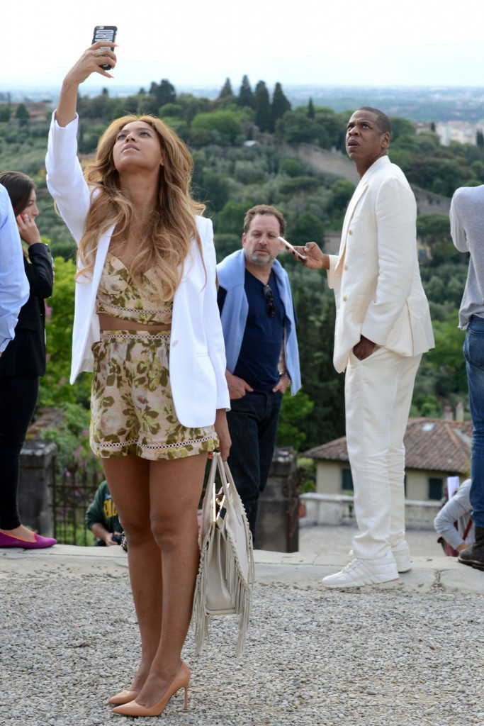 Beyonce and Jay Z on Italian Vacation